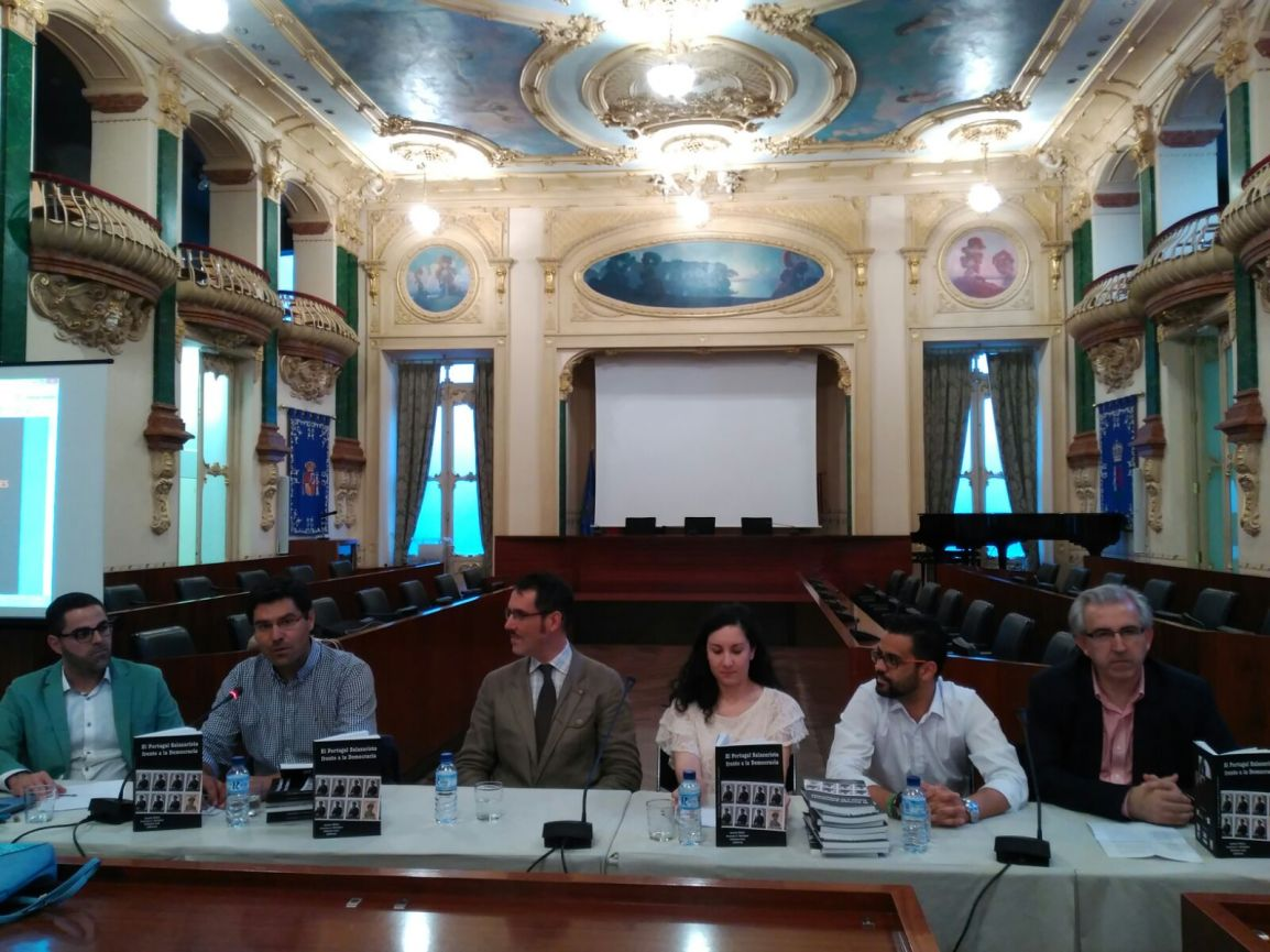 "Francisco Rodríguez presented his co-authored book ""El Portugal Salazarista frente a la Democracia"" last May 23 in Badajoz."