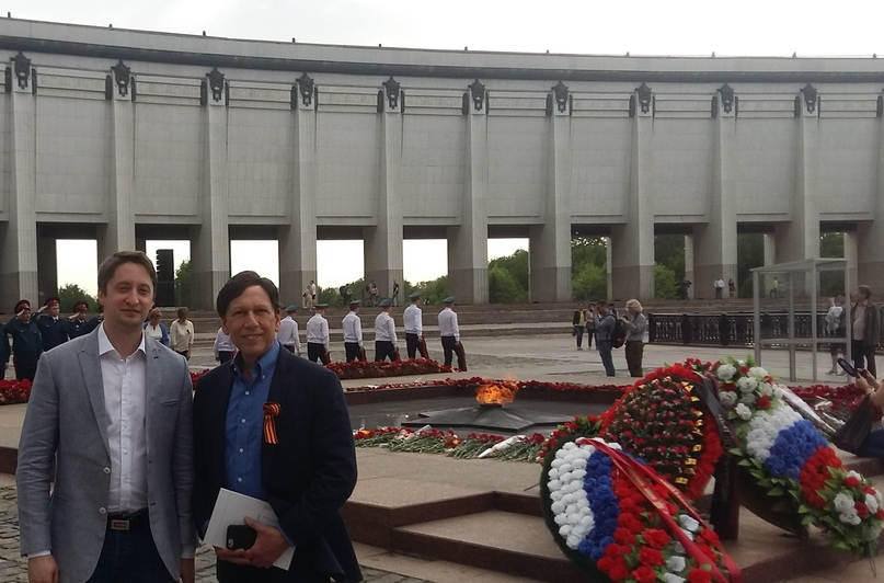 """At the eternal flame on Poklonnaya hill with the famous American Professor Peter Kuzniсk"" in the Russian Political Science Journal."